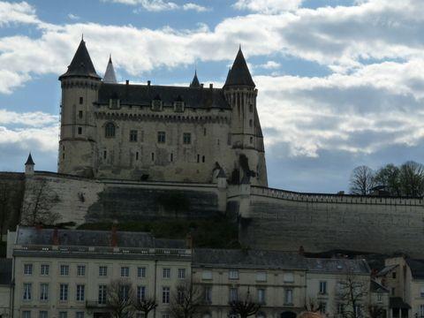 Le château de Saumur vu du Bateau Loire