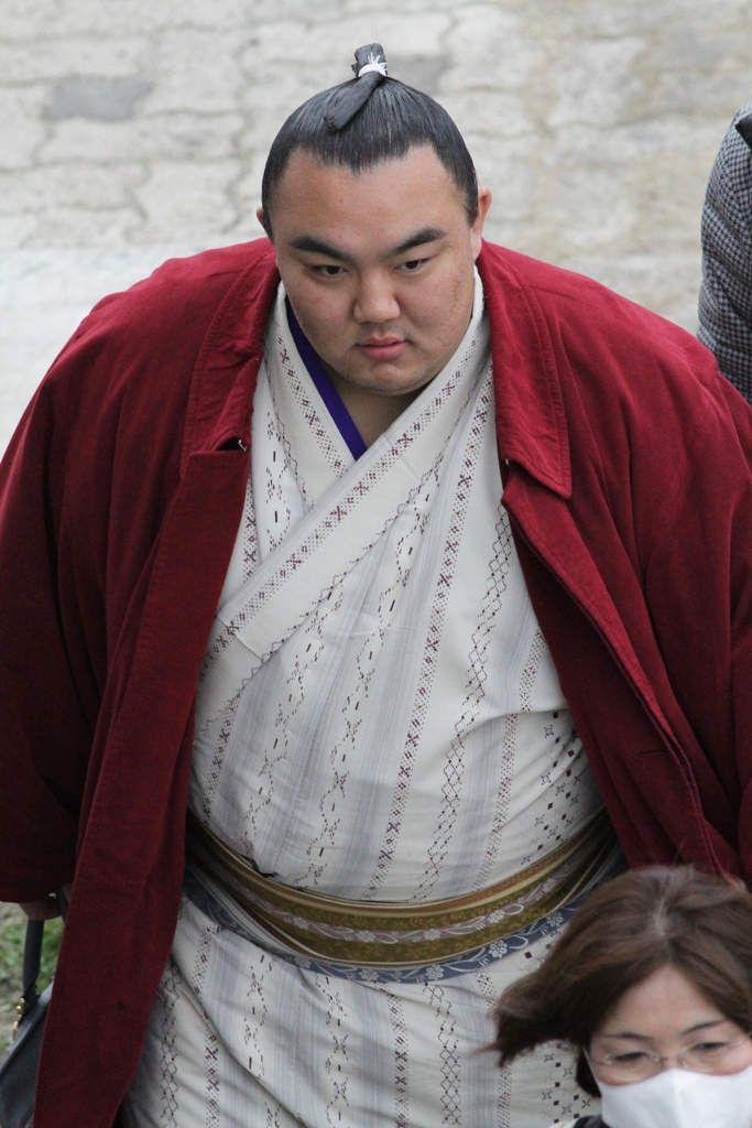 Des sumos (à Arasaki, Japon)