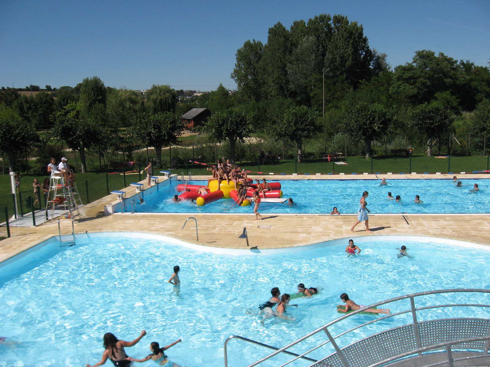 Saint-Paterne-Racan : Information piscine