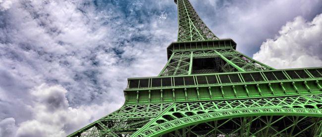 El 4/11, la Torre Eiffel se vistió de verde (OZ, Osiris)