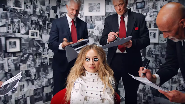 """""""In My Bed"""" de Sabrina Carpenter: Un Video Sobre el Control Mental de una Niña ... Hecho por Disney"""