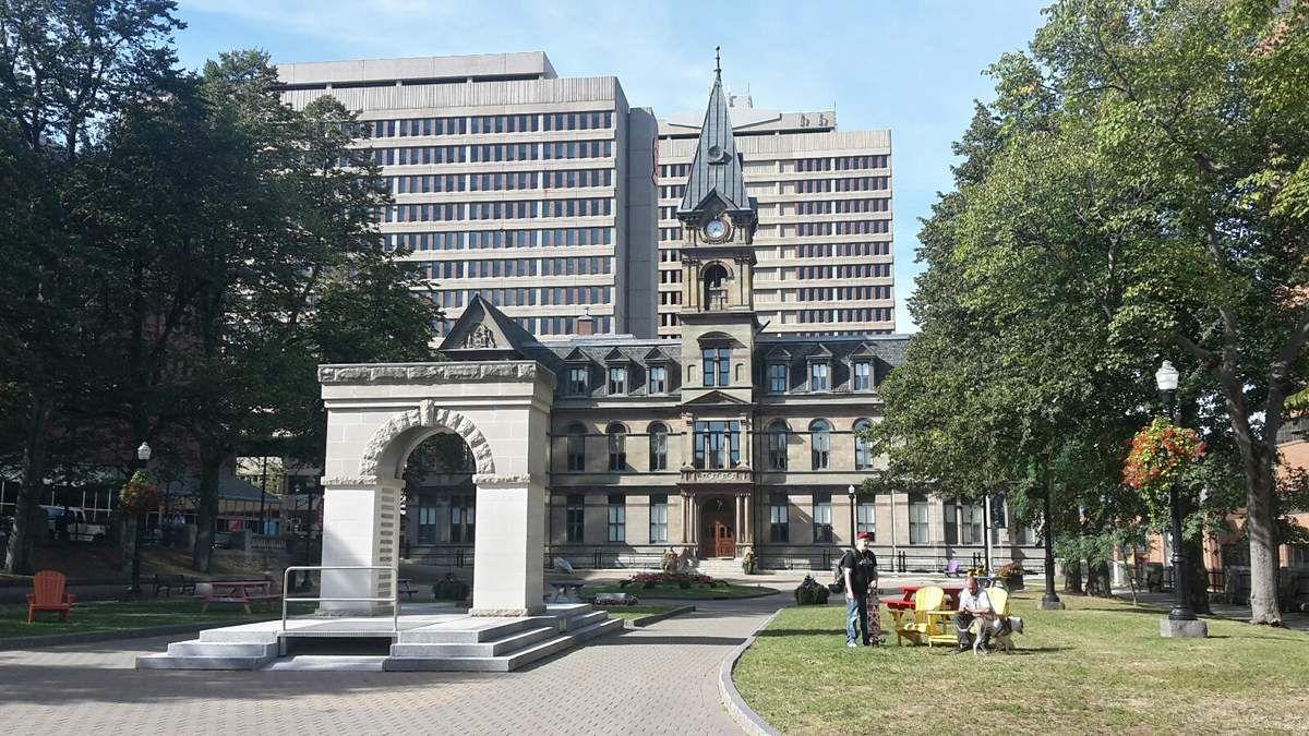 Canada : Celui qui visitait Halifax
