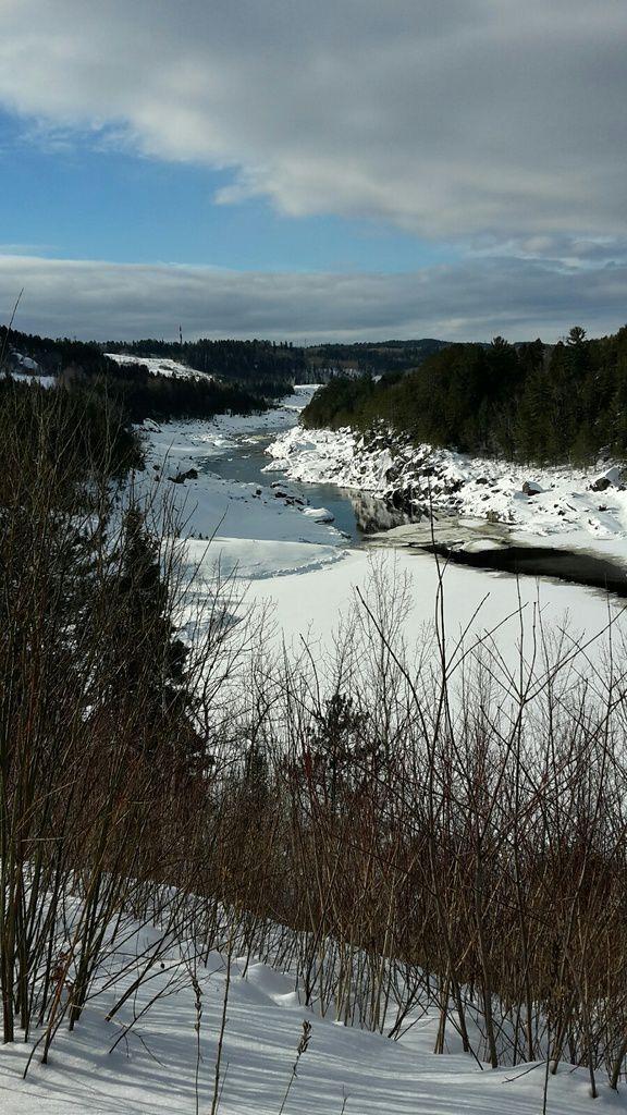 Canada : Celui qui marchait vers le Mont Fortin