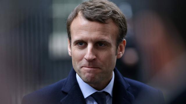 """""""Macron lève le voile sur son programme économique"""" (Ouest-France, 24 février) ... directement dicté par le MEDEF et le grand patronat!"""