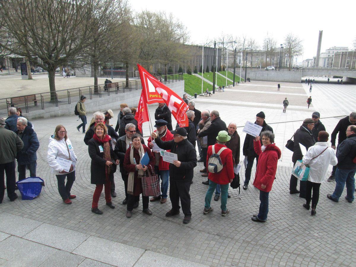 Rassemblement du 11 mars à Brest pour une alliance Mélenchon-Hamon aux Présidentielles et un pacte majoritaire de gauche pour faire échec à la bande des trois Macron-Fillon-Le Pen