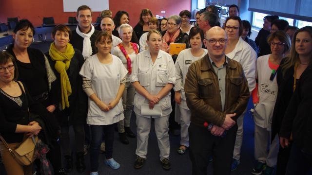 Les syndicats et les agents ont boycotté le comité technique du centre hospitalier de Morlaix. | Ouest-France.
