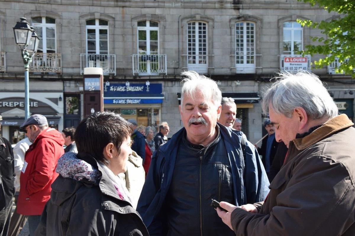 Manif du 1er mai à Morlaix: un rassemblement de 600 personnes avec les syndicats CGT-FSU-FO, pour le progrès social et contre l'aggravation des politiques libérales et l'extrême-droite (photos Pierre-Yvon Boisnard et Cyril Deleau)