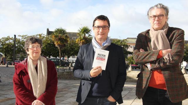 Yvonne Rainero, membre de la commission santé du PCF, Olivier Dartigolles et Dominique Gontier, membre du bureau fédéral, ont organisé diverses rencontres à Quimperlé et Mellac, hier. | Ouest-France