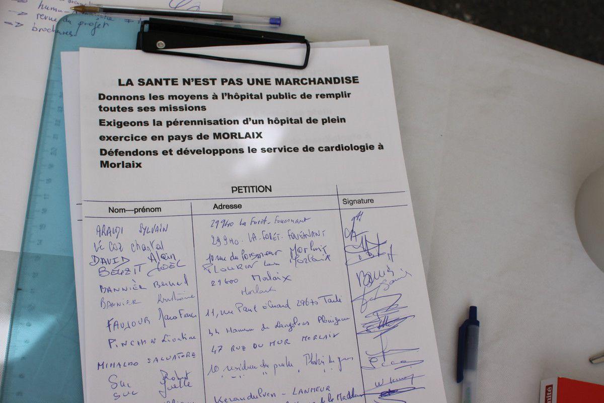 Pétition à signer au stand PCF Morlaix