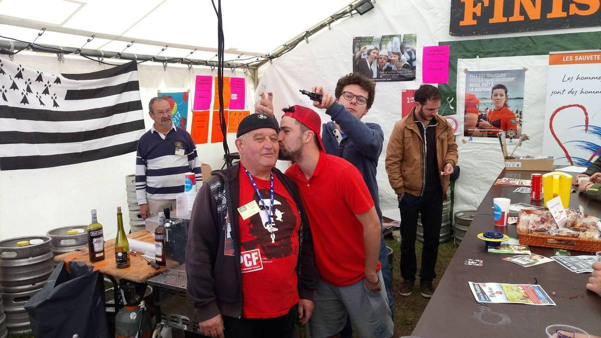 La fête de l'Huma sur le stand du Finistère: c'est une expérience inoubliable! Réservez vos places pour travailler sur le stand comme bénévole les 14, 15, 16 septembre 2018!