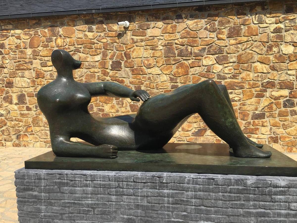 Le 30 juin à Landerneau: avec Renaud Faroux, l'espace des Capucins et le PCF Finistère, on découvre la sculpture-paysage et le génie polymorphe d'Henry Moore