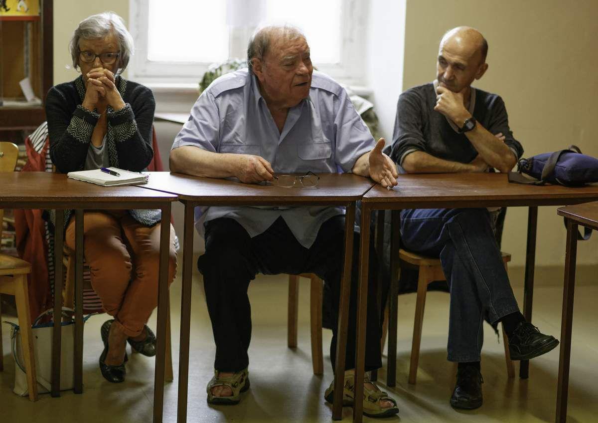 Photos de la conférence du 3 juillet au local du PCF Morlaix sur l'antisémitisme, son histoire et ses mutations avec Lucienne Nayet et Marie-Noëlle Postic (Jean-Marc Nayet)
