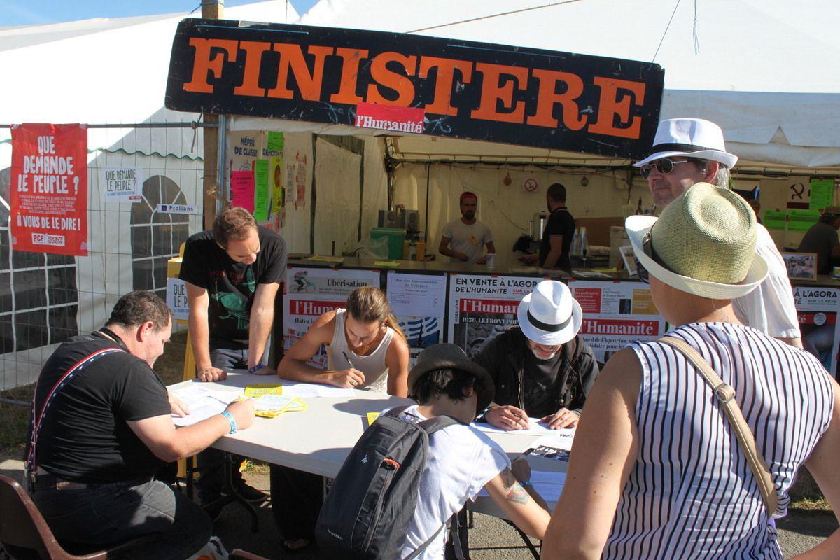 Fête de l'Humanité sur le stand du Finistère  à quelques jours du Top départ: Bienvenue à tous!