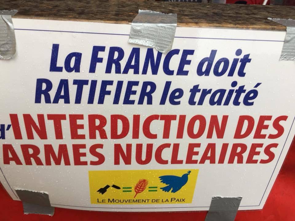 500 manifestants à Crozon pour l'interdiction des armes nucléaires ce dimanche 14 octobre (compte rendu Yvonne Rainero - photos Yvonne Rainero et Anne-Véronique Roudaut)