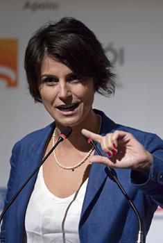 Manuela d'Avila - La députée du Rio Grande do Sul, à peine 37 ans, est candidate à la vice-présidence du Brésil aux côtés de Fernando Haddad