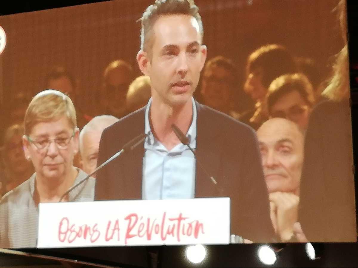 """Nous sommes la France qui compte en centimes. La France qui perd du pouvoir d'achat, la France qui veut un meilleur partage des richesses"""" Ian Brossat, tête de liste du PCF aux Européennes."""