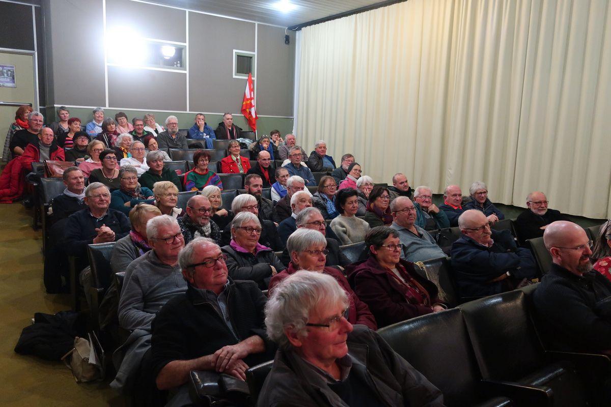 Voeux de la fédération du Finistère du PCF et de la section du Relecq-Kerhuon: un très beau moment avec le spectacle Bonsoir m'amour du Théâtre de la Corniche