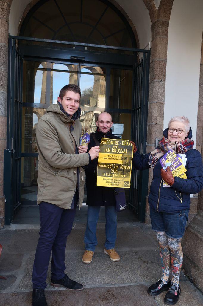 La campagne européenne pour la liste PCF conduite par Ian Brossat débute à Morlaix.