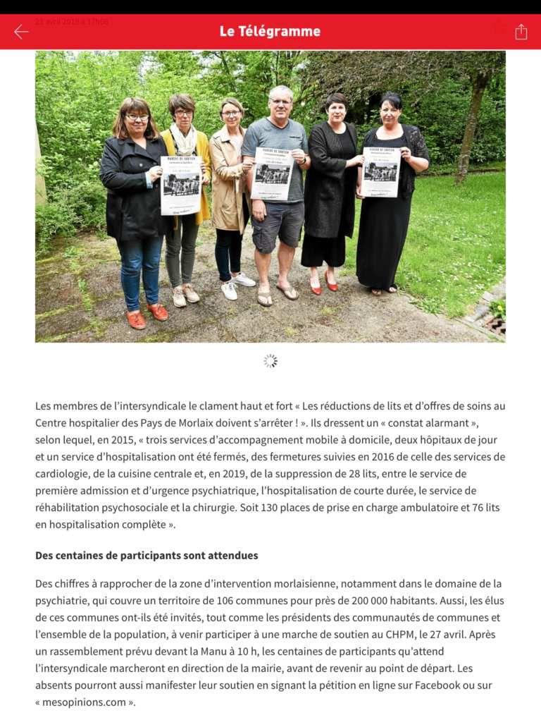 Les militants du comité de soutien du centre hospitalier du pays de Morlaix sur le marché de Plougasnou ce 23 avril pour appeler à la marche pour l'hôpital à Morlaix le 27 avril et au débat du 4 mai (photos Pierre-Yvon Boisnard et lien avec articles du Télégramme)