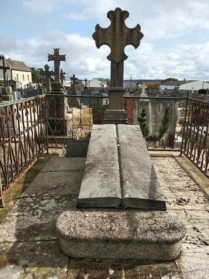 Cimetière Saint Augustin à Morlaix: la tombe de Tristan Corbière, Édouard pour l'état civil.