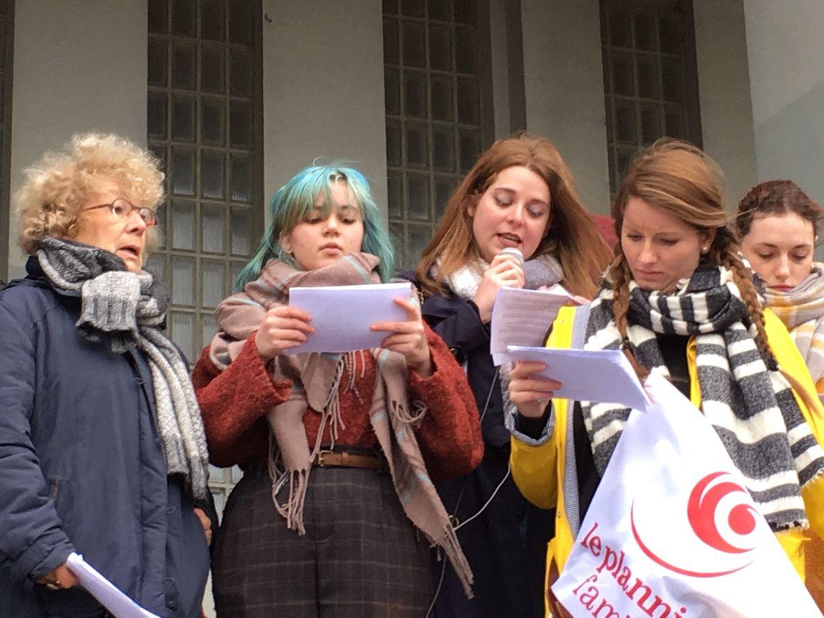 Photo Jacqueline Héré, rassemblement pour les droits des femmes et contre les violences faites aux femmes à Brest, 23 novembre