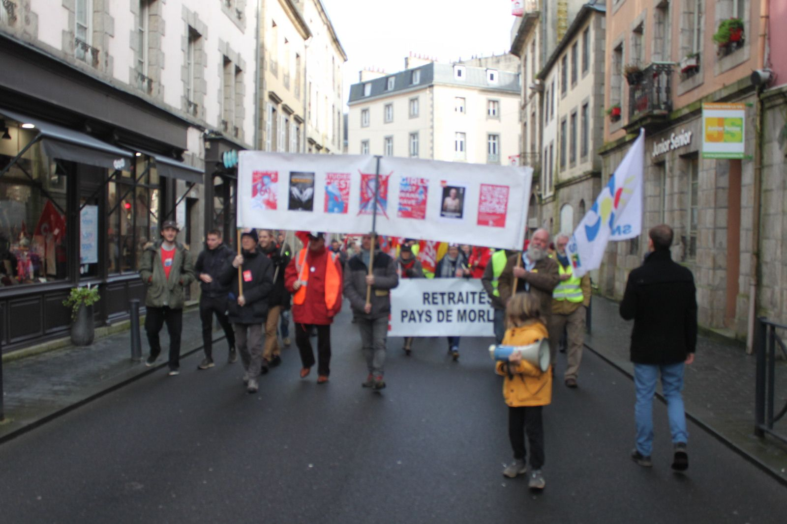 Mardi 29 janvier à Morlaix: Nouvelle manifestation contre la contre-réforme des retraites Macron: 400 manifestants (Photos Jean-Luc Le Calvez et Pierre-Yvon Boisnard)