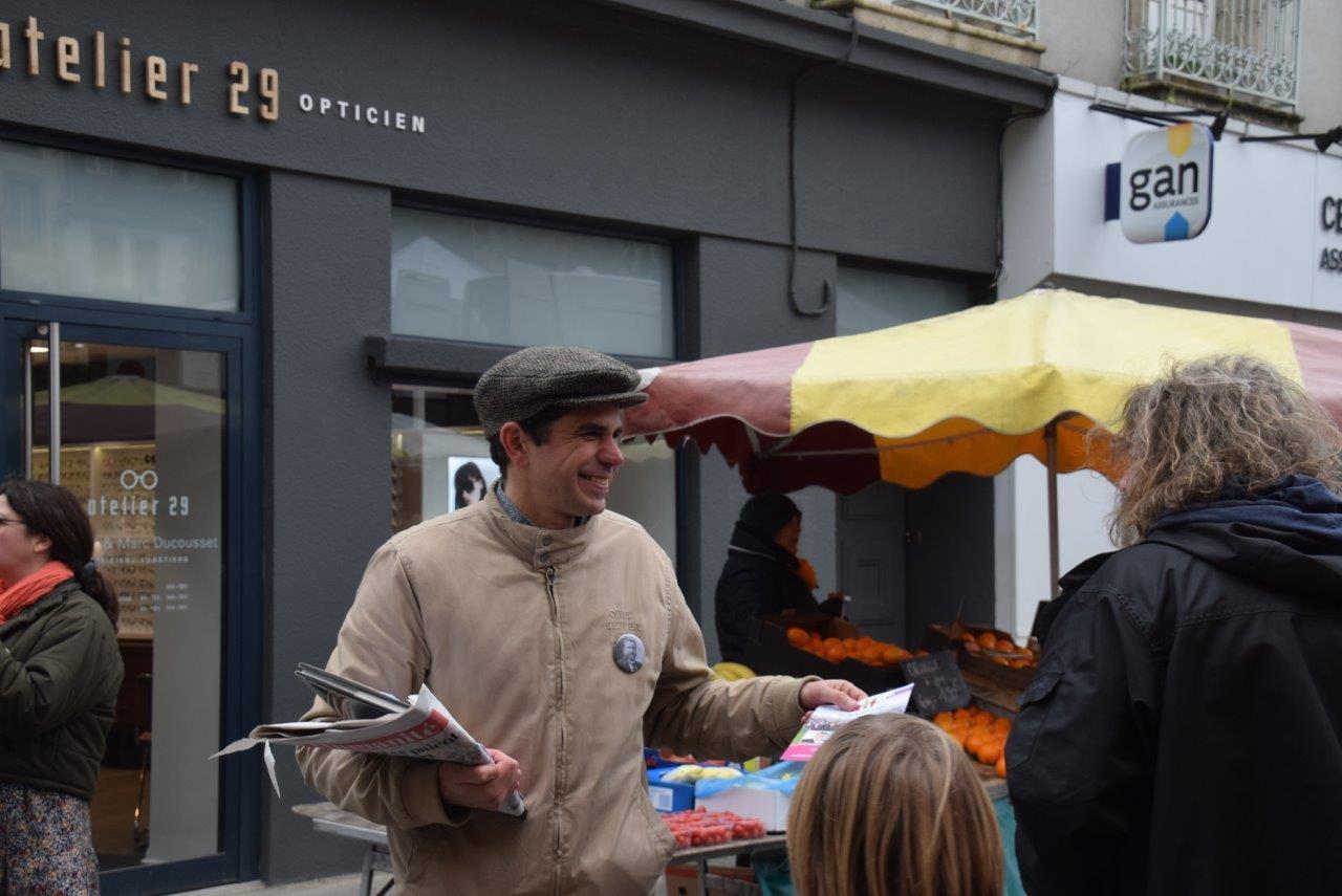 Municipales - Morlaix Ensemble sur le marché de Morlaix ce samedi 22 février - Photos sur la place Allende de Pierre-Yvon Boisnard