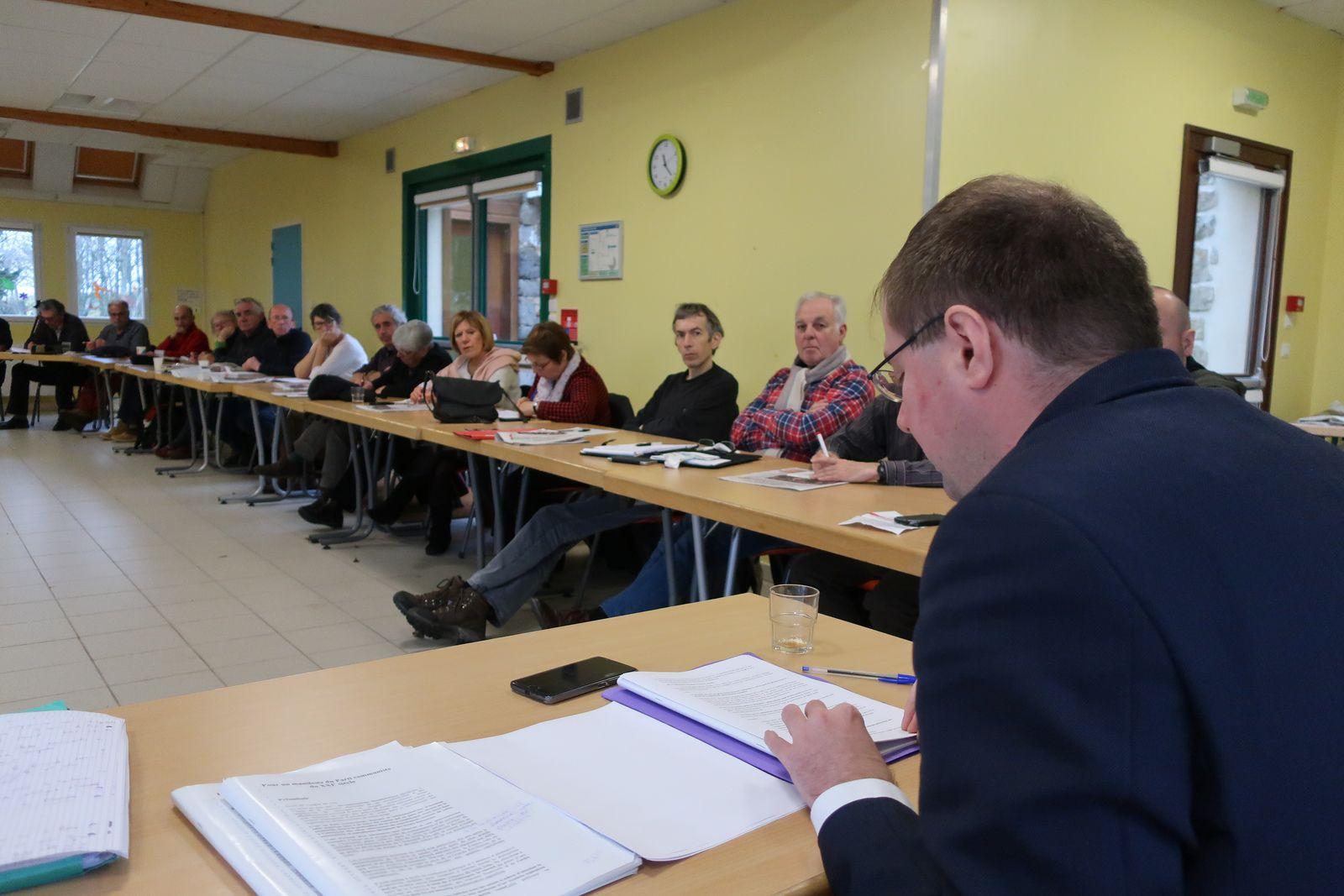 Vincent Boulet animait pour le PCF Finistère une réunion de réflexion sur l'Europe le 8 décembre 2018 à Logonna Quimec'h