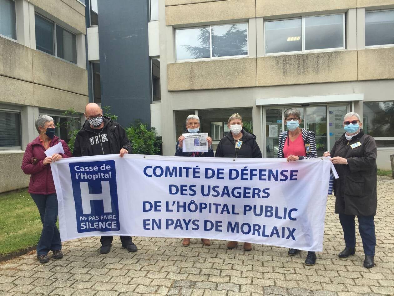 Photo de la conférence de presse Comité de défense des usagers de l'hôpital de Morlaix (Ouest-France, 12 juin)