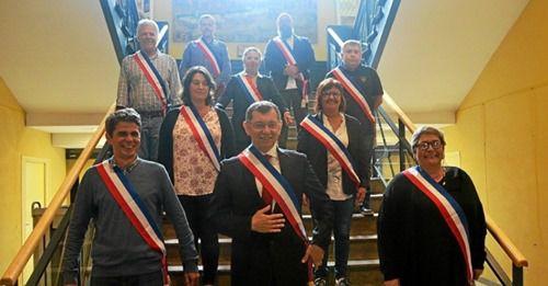 Les 9 adjoints de la nouvelle majorité de gauche à Morlaix avec le maire Jean-Paul Vermot - Photo Le Télégramme, Yann Clochard, 5 juillet 2020