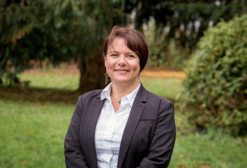 Karen Le Moal - Cheminote gare de Rosporden - Partenaire PCF - Adjointe au maire – sports  et équipements sportifs - conseillère communautaire. CCA