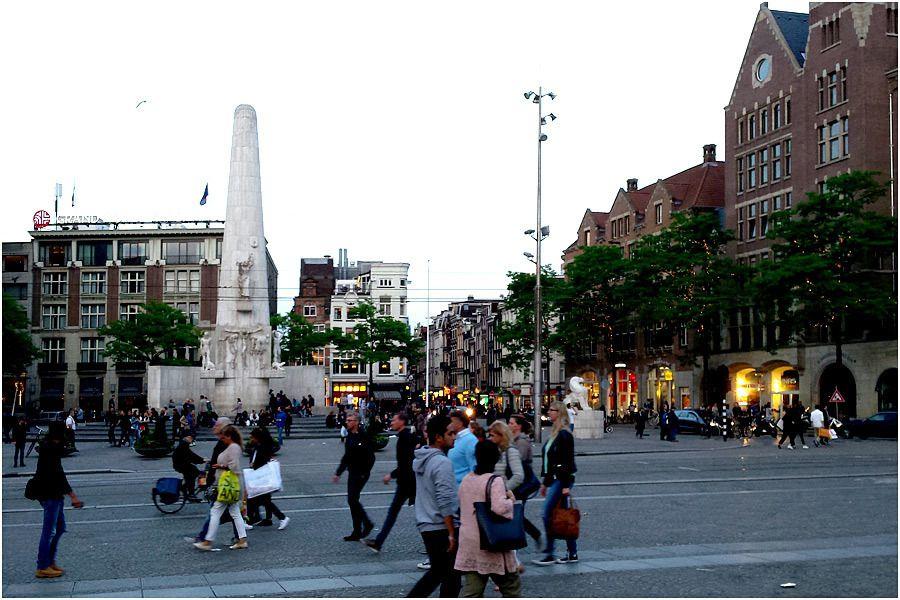 Amsterdam- promenade en soirée du côté du Dam