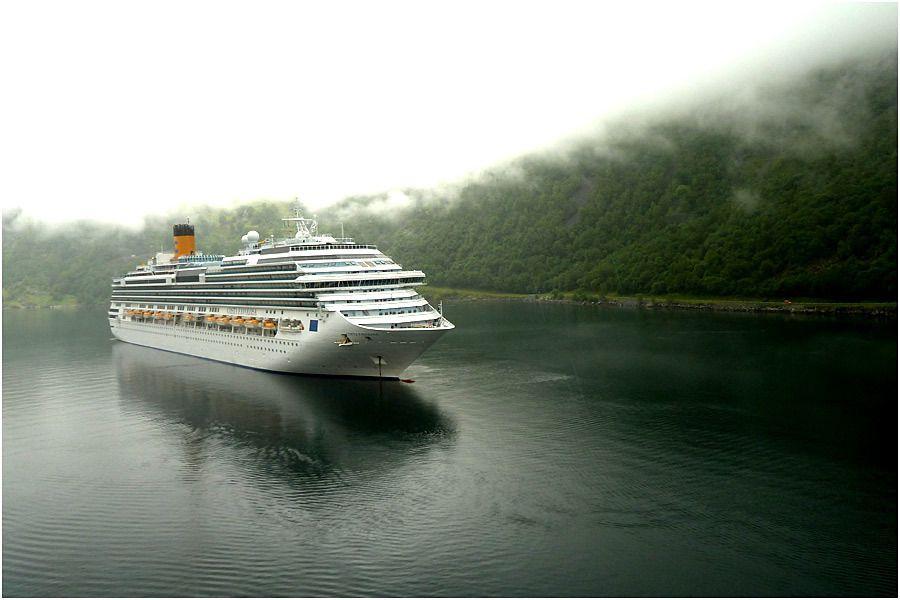 Costa Marina - Fjord de Geiranger - le Costa Favolosa