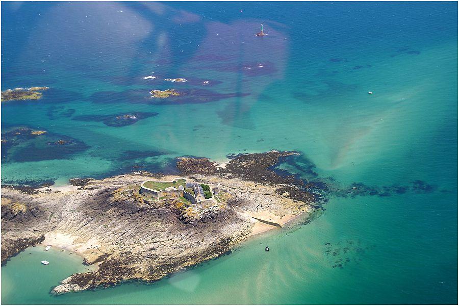 survol côte d'émeraude - Fort Harbour