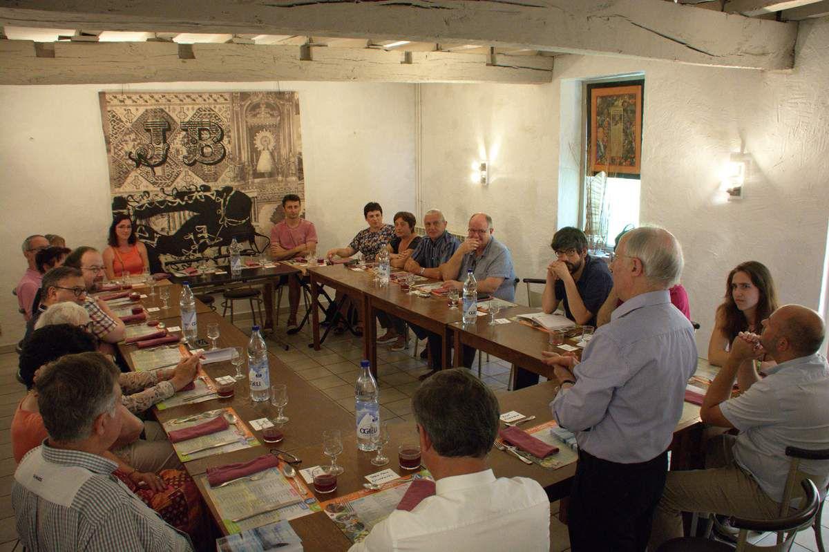 René Ricarrère a réuni à la Casa ses amis qui ont participé à l'élaboration du livre