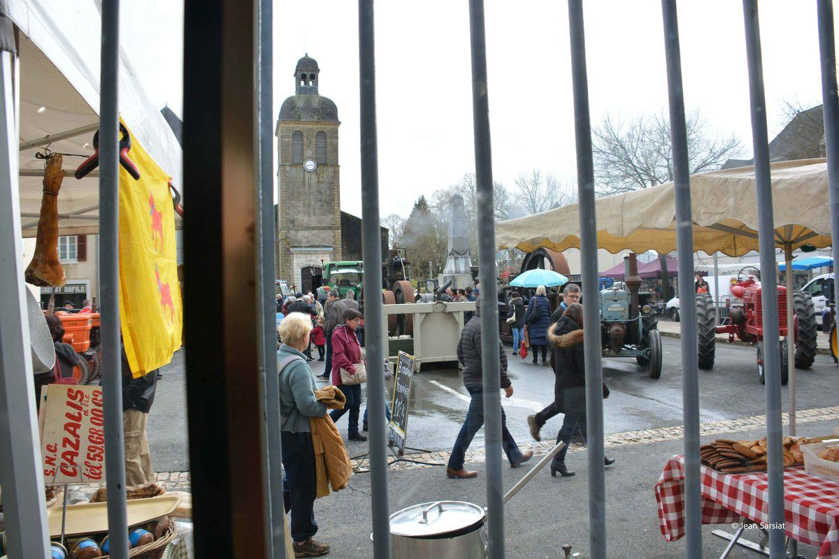 NAVARRENX : LE DEBAT PUBLIC S 'INVITE A LA FOIRE AGRICOLE
