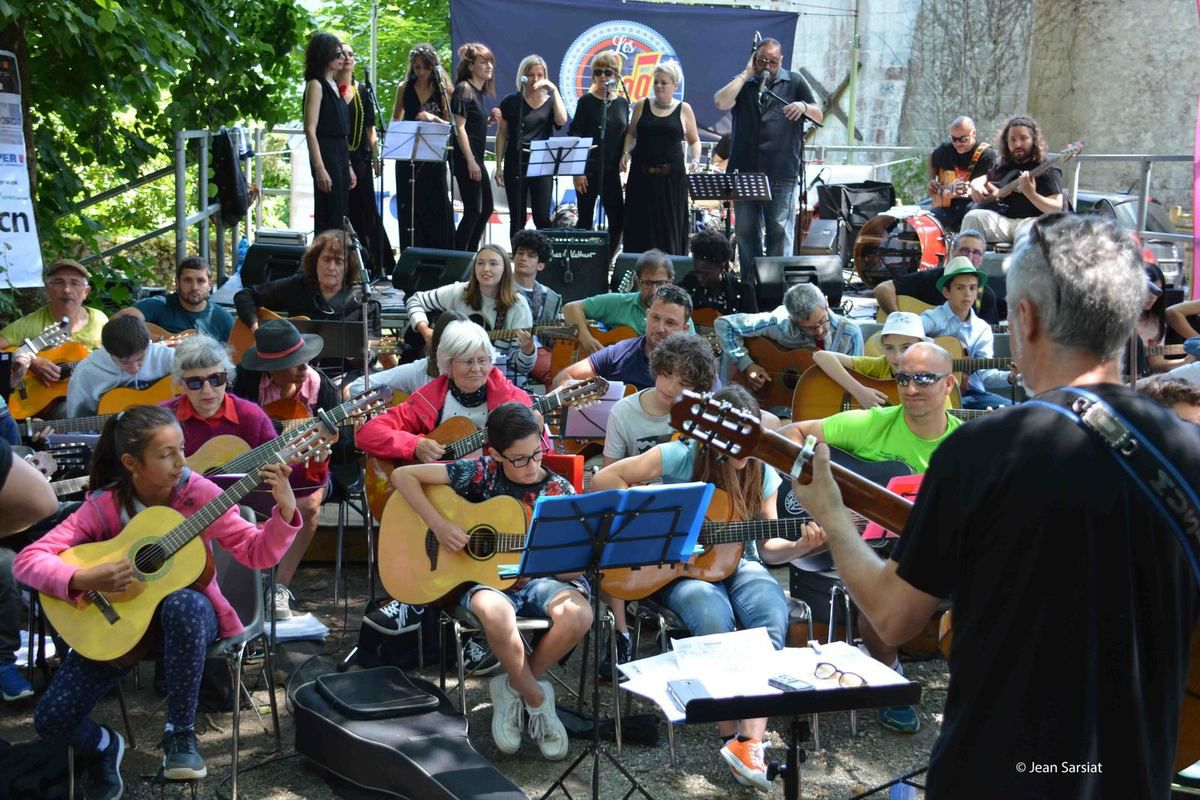 ORTHEZ : 200 GUITARE ET PLUS !!!