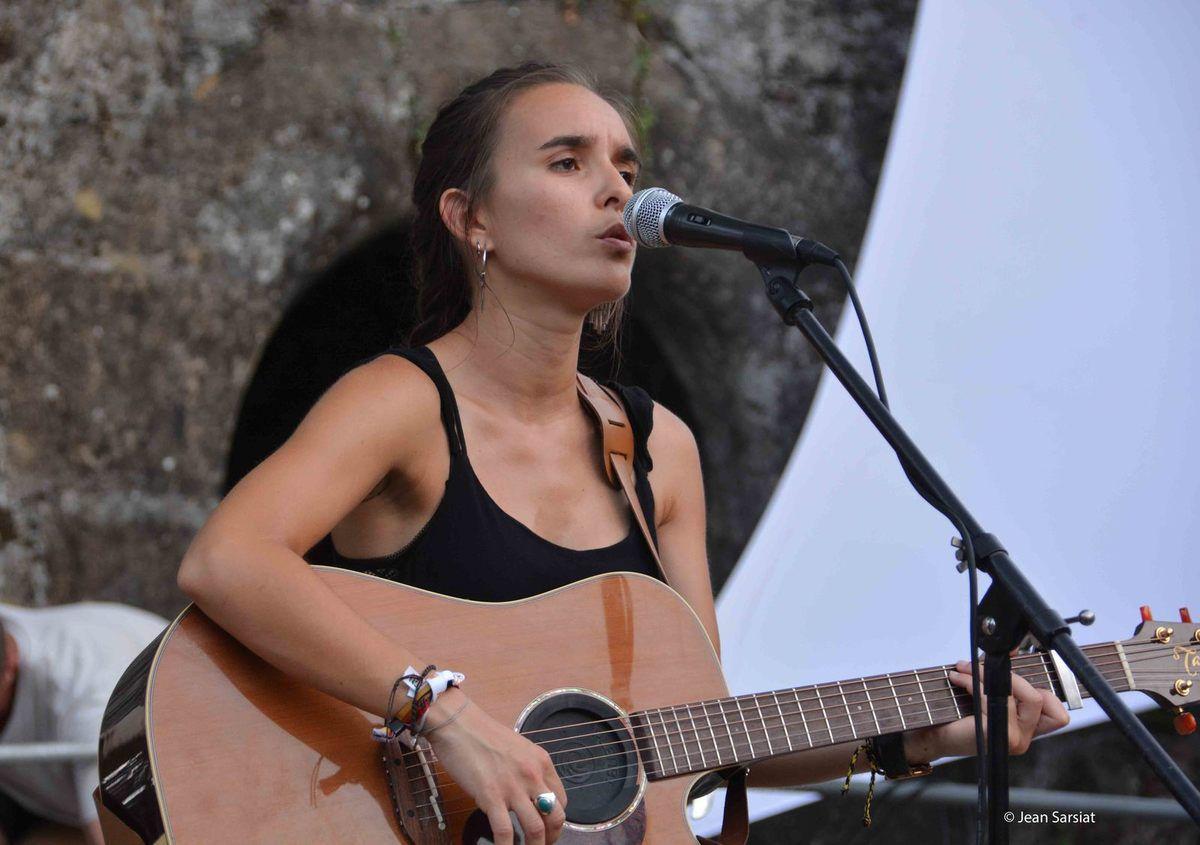 MARDIS MUSICAUX de NAVARRENX : LE TROPHEE POUR ALMA SISTER ET LE COUP DE COEUR POUR LEA ITHURRIA