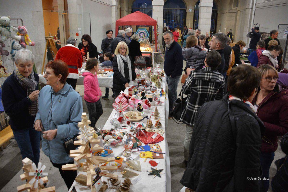 NAVARRENX : Le marché de Noël sur des airs de gospel