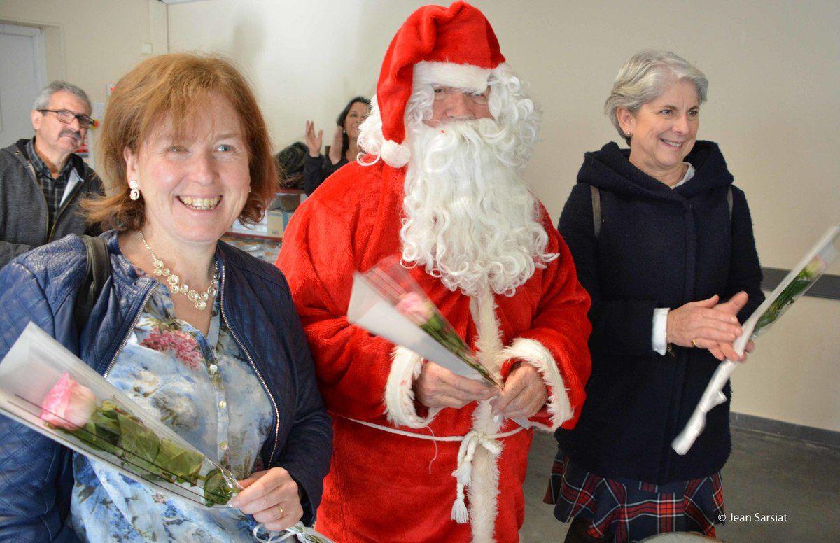 LAAS : Le père Noël, des cadeaux plein la brouette...