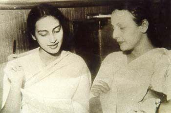 Shobhana Samarth and her daughter