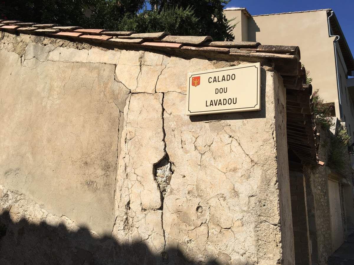 Tout le charme d'un petit village de Provence : Saumane de Vaucluse...