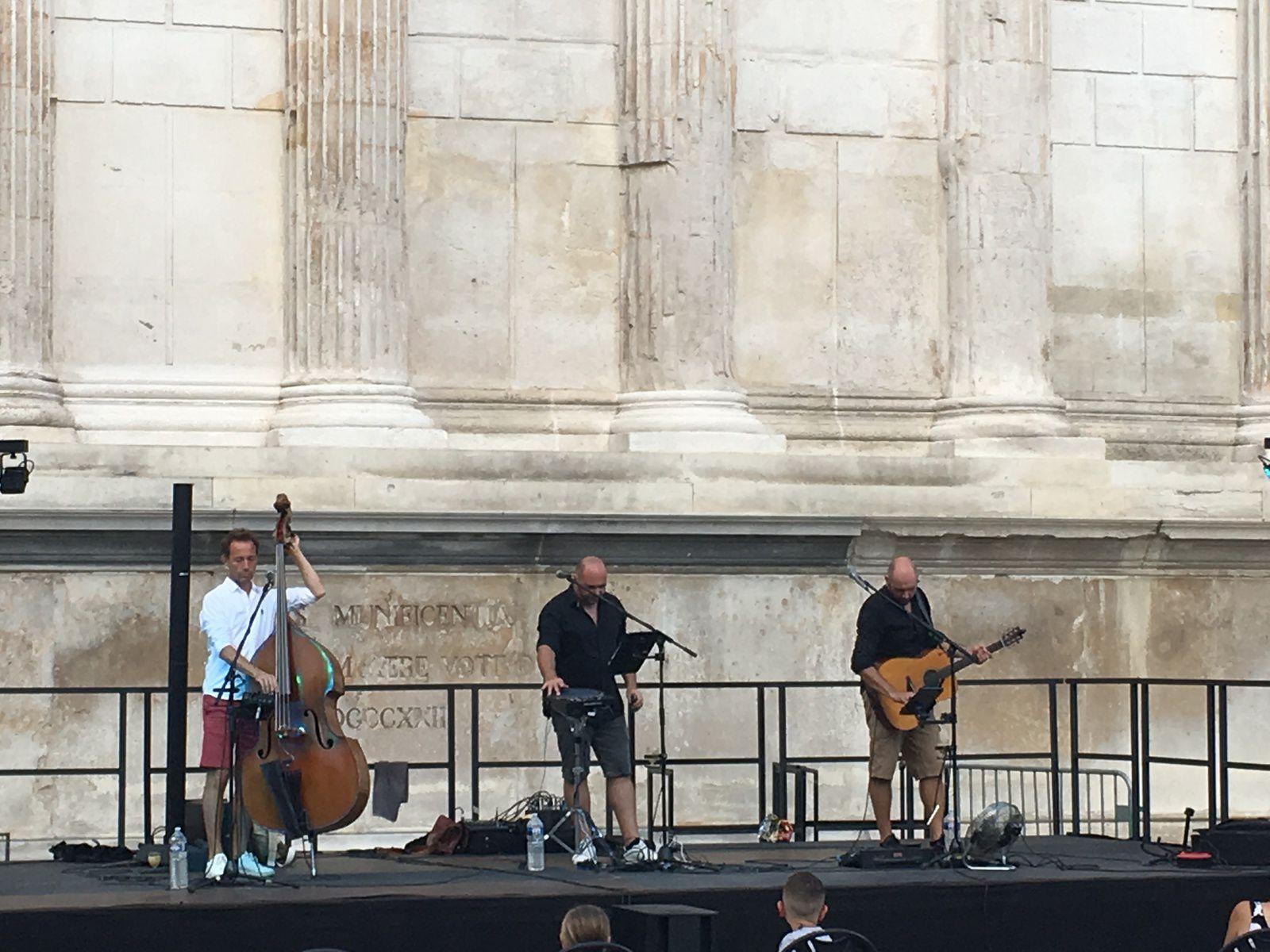 Nouvelle soirée musicale à Nîmes...