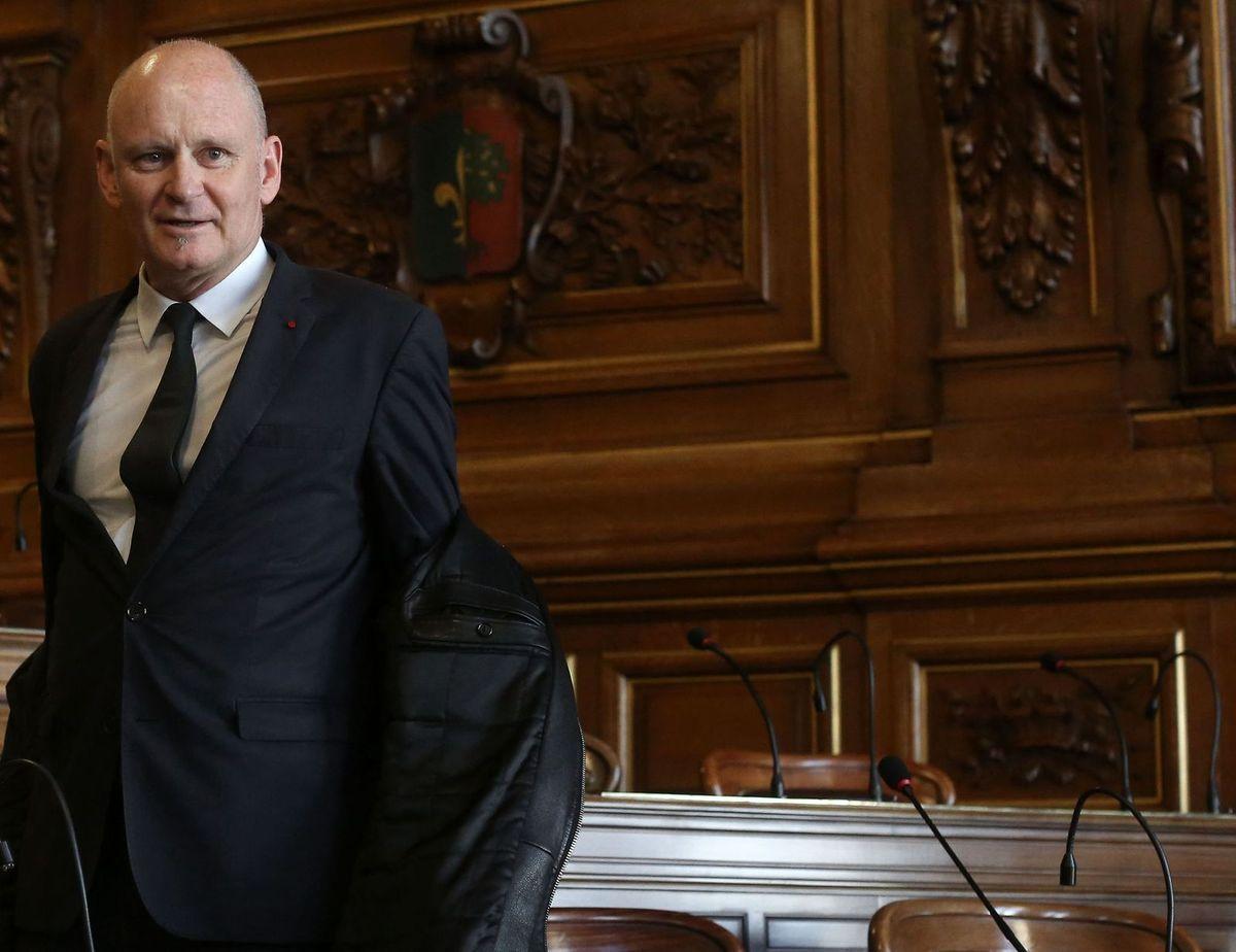 Christophe Girard se prend une veste avec tous les syndicats de la Ville de Paris sur la question de la santé au travail