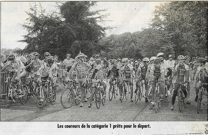 Les coureurs 1ère catégorie au départ LE PROGRES du 17-09-2001