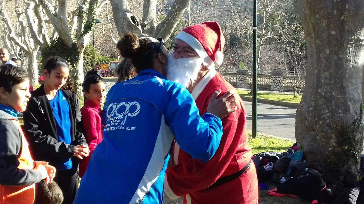 L'arrivée du Père Noël et le staff Jeunes de l'ACP Marseille - 23 décembre 2017