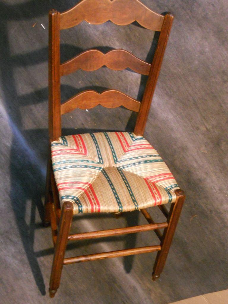 Chaise paillée couleur