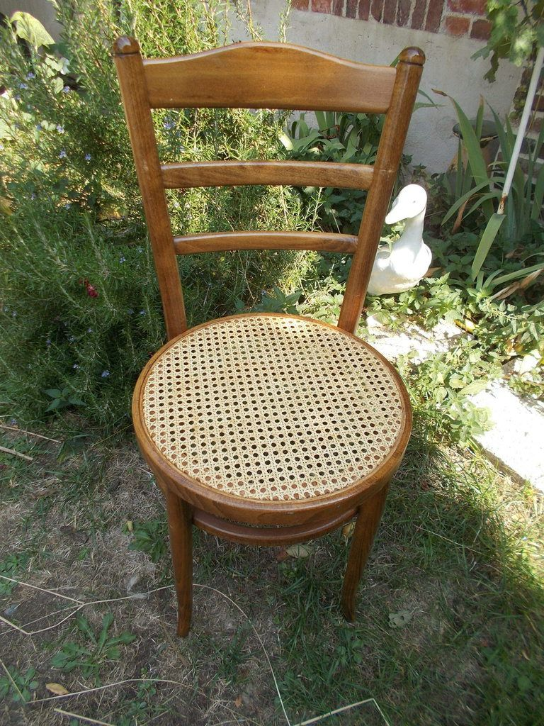 Chaise cannage moderne