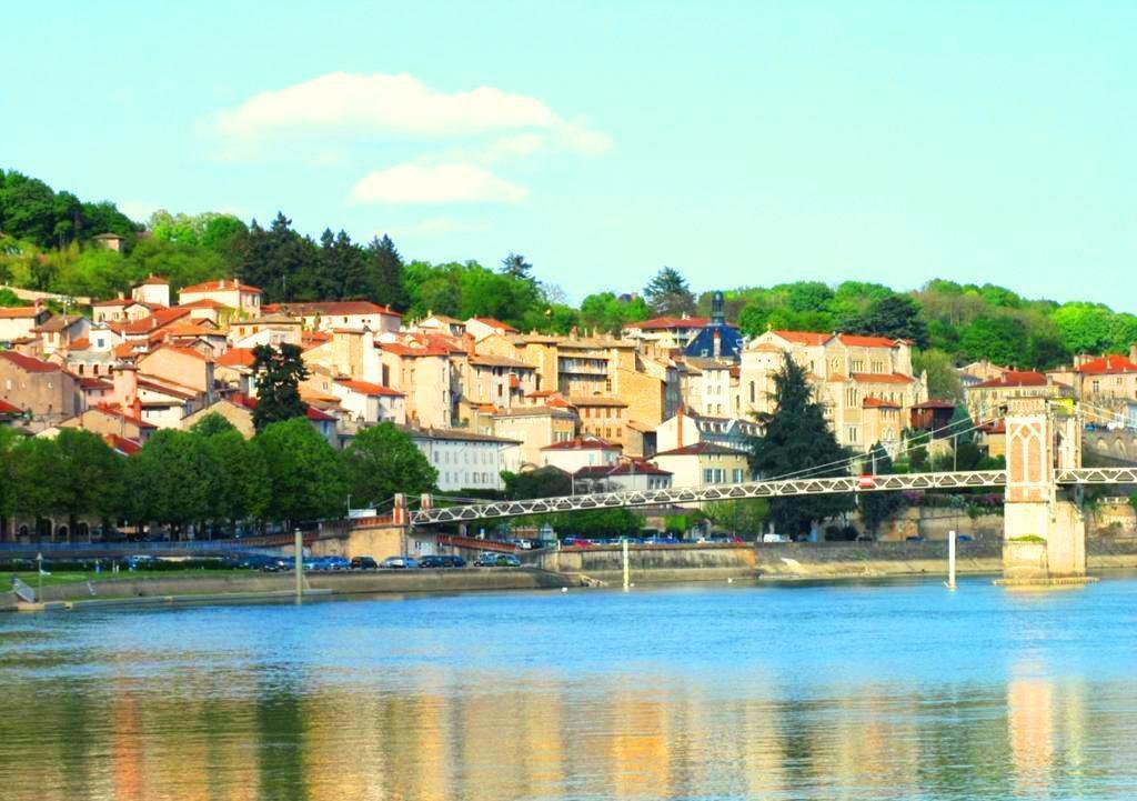 15 octobre 2017 à TREVOUX (28 km de Lyon): Rencontre Connaissance de soi.