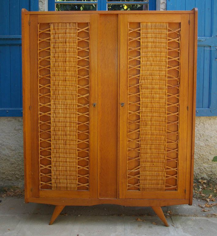 armoire penderie vintage gallery of armoire vintage. Black Bedroom Furniture Sets. Home Design Ideas